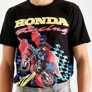 Forever 21 X Honda Men's Graphic T-Shirt Medium